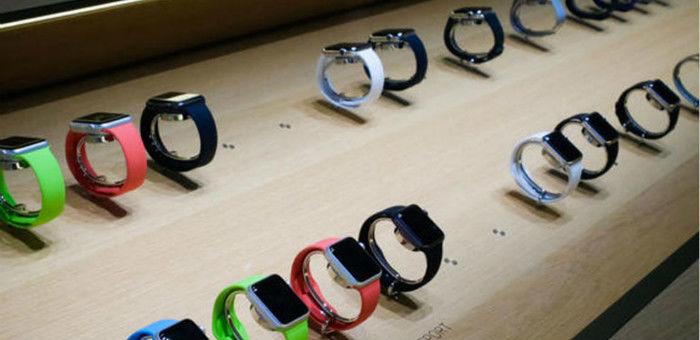 Apple Watch首日预订量超Android手表全年销量 | 极客早知道 2015 年 4 月 14 日