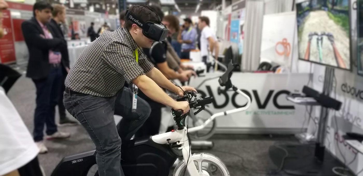 想要在家感受「生死时速」?只需自行车和 VR 头盔