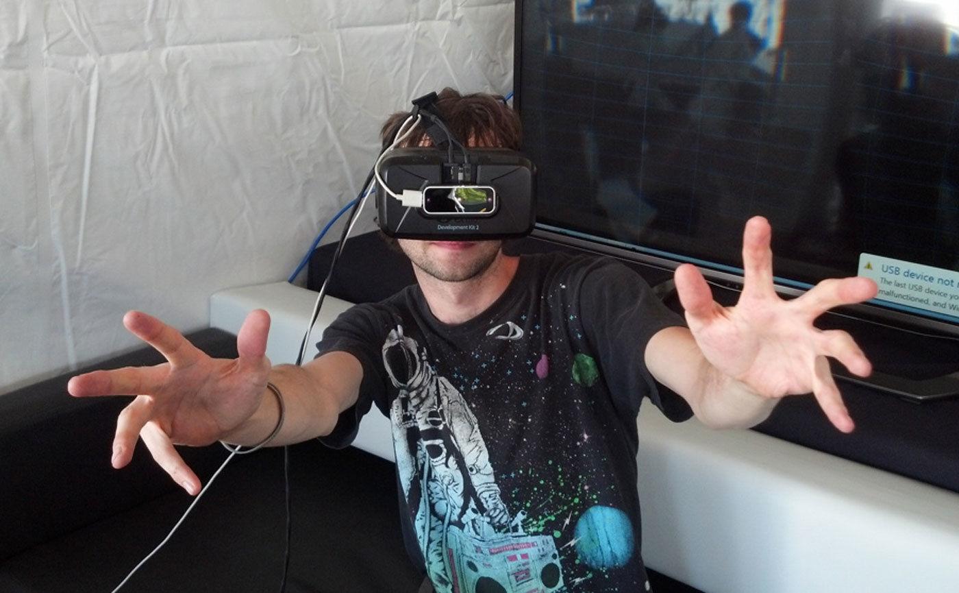 摆脱手柄:这颗传感器让你用双手体验 VR 世界