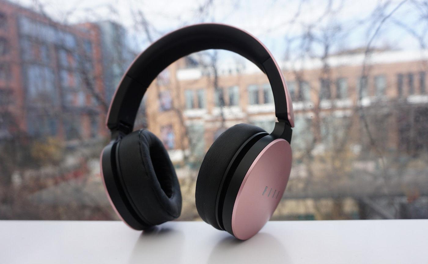 FIIL Wireless 情人节版体验 | 汪峰如何把国产耳机卖到 1599 还保持高性价比?
