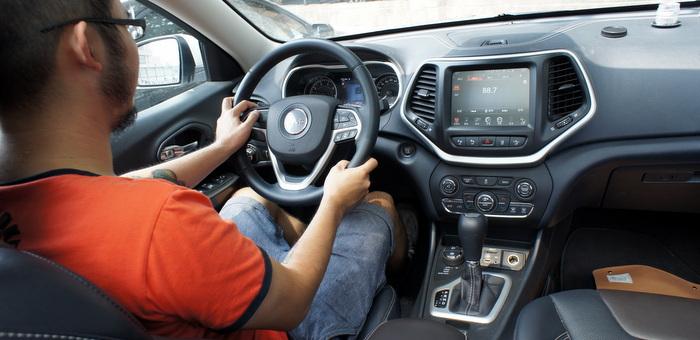 技术柔情:试驾 Jeep 自由光