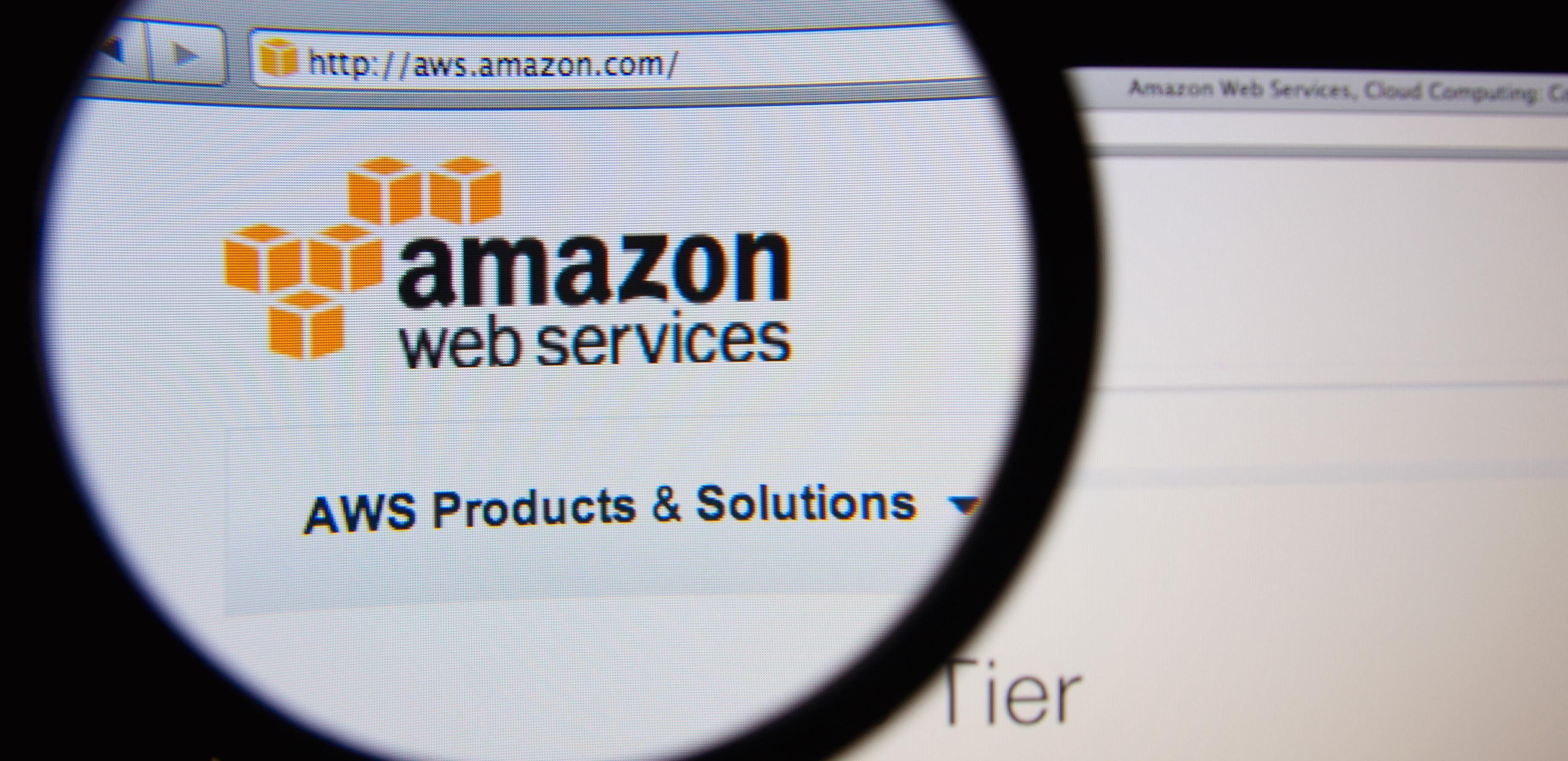 意外诞生的 AWS 却成为了亚马逊扭亏的功臣