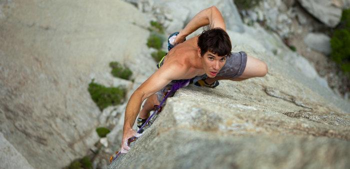 【极客漫游指南】Alex Honnold:他徒手爬上几千米岩壁,他不是疯子