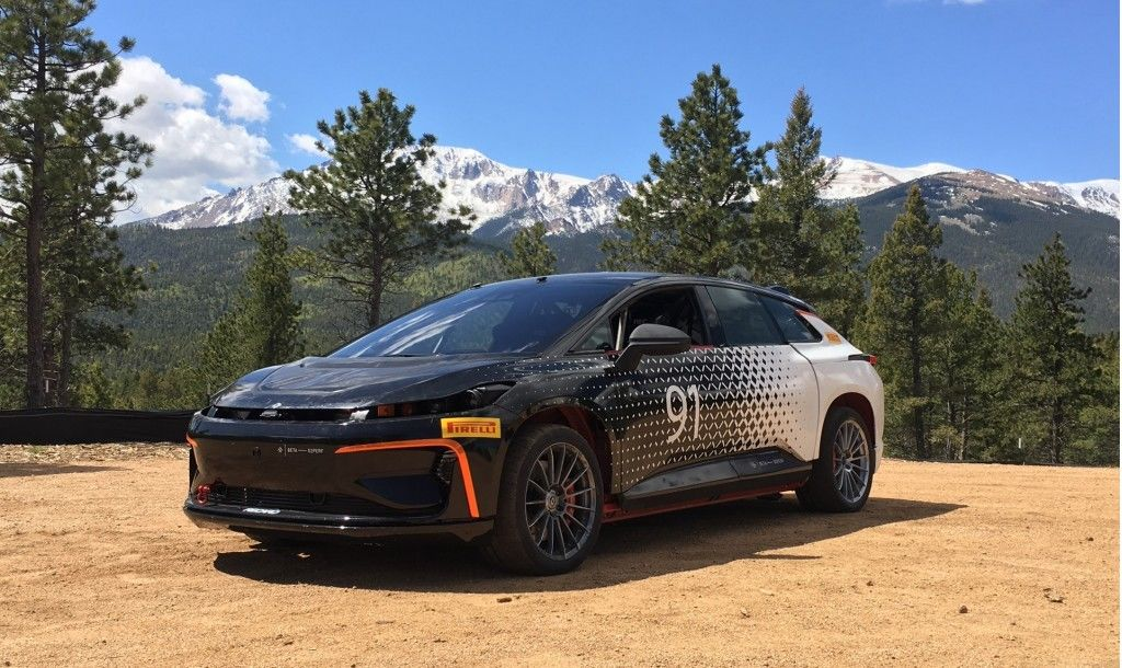 faraday-future-ff-91-during-testing-for-2017-pikes-peak-international-hill-climb_100608976_l.jpg