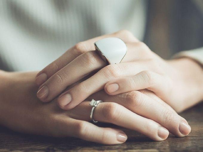 这个看起来不光鲜漂亮的戒指,也许是男生最贴心的节日礼物