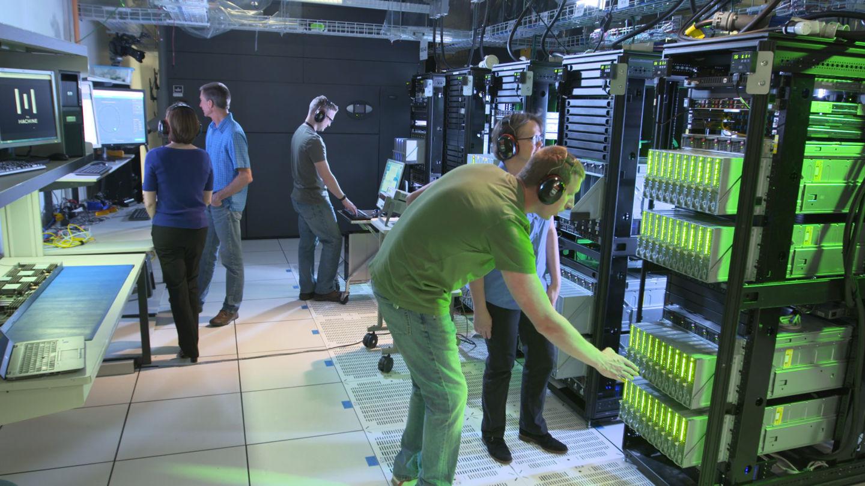 Hewlett-Packard-Labs-engineers-working-on-prototype-jpeg-1440x810.jpg