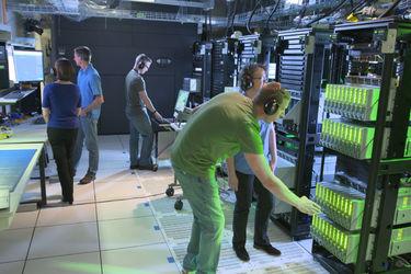 酝酿中的第一台百亿亿级超级计算机,中美争霸谁将拔得头筹?