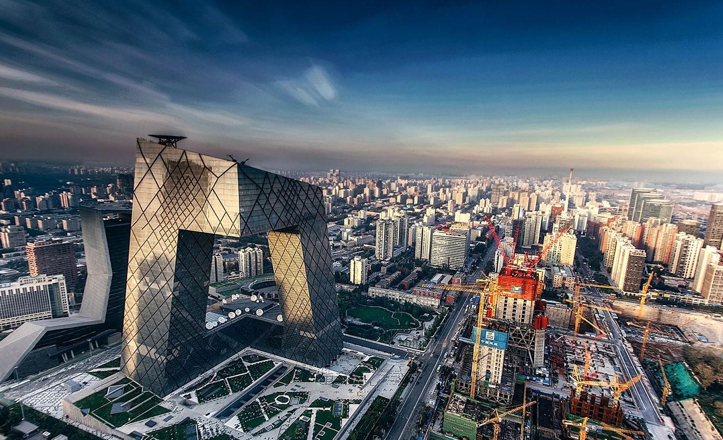中国作家郝景芳夺雨果奖:被「折叠」的北京和断裂的中国社会