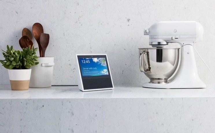 三年打怪升级,亚马逊拿出了一款「终极版」的智能音箱
