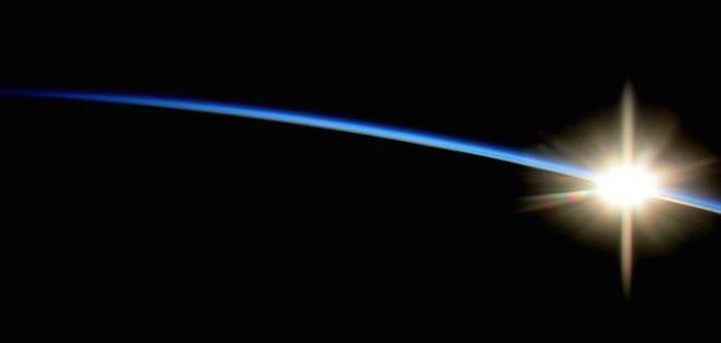 只不过想让人们从远处看看这星球