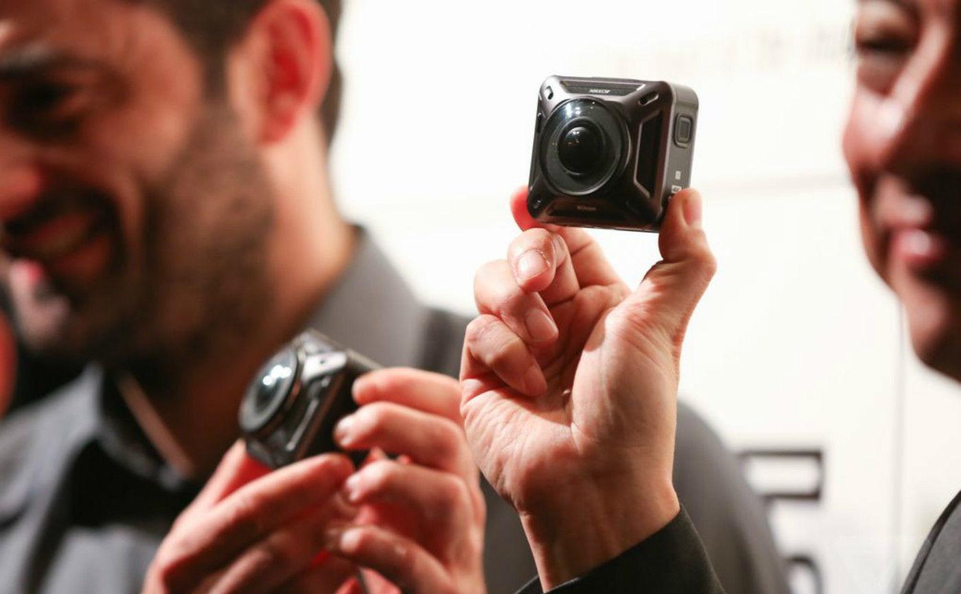 尼康推出第一款运动相机,拥有前后两个镜头