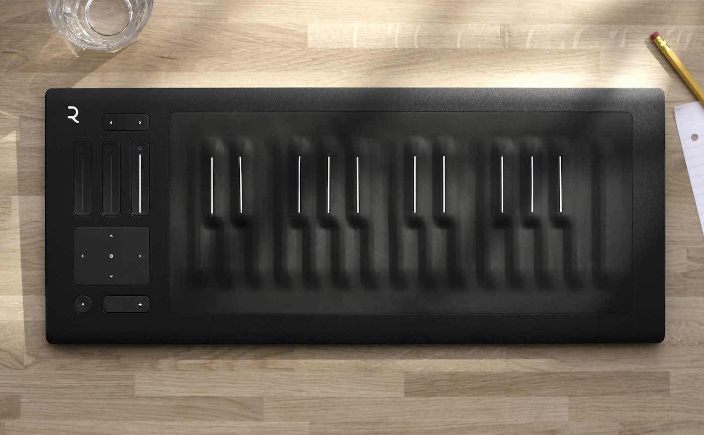 「三次元」的未来钢琴,给你来一段「颤音演奏」