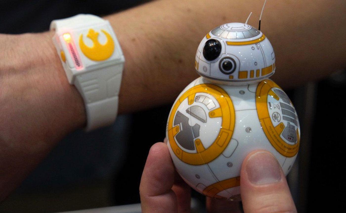 看可爱的「小圆球」机器人如何萌翻 CES 现场