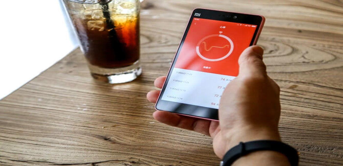 科普向丨如何唤醒躺在智能手环中的数据,让它为用户的健康服务?
