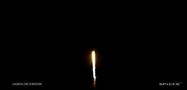 SpaceX 首次火箭回收失败 | 极客早知道 2015 年 1 月 12 日