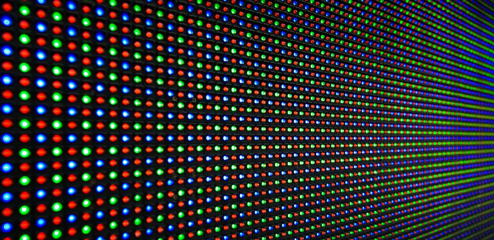 VR 从业者指南:以三星和索尼为例,浅谈哪家 OLED 更适合你