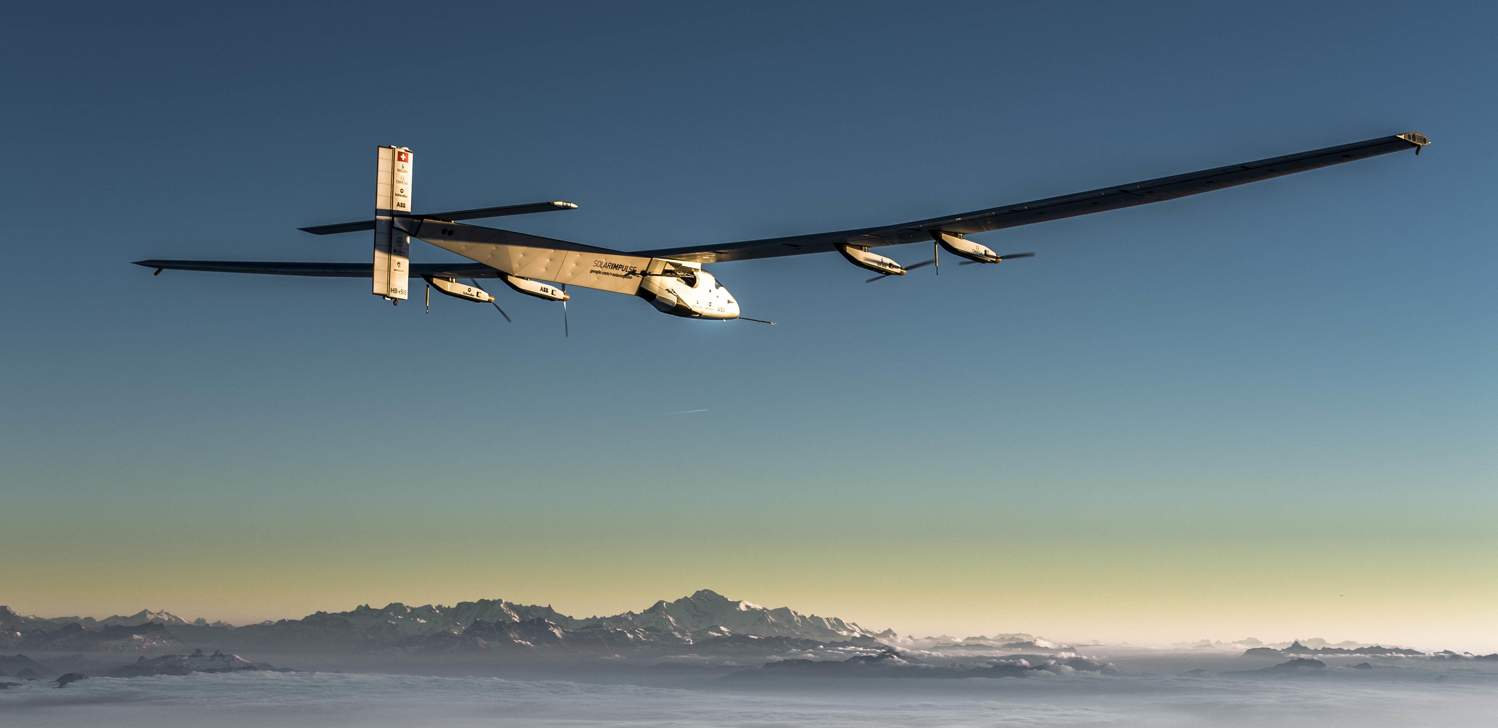 阳光动力 2 号 :一架太阳能飞机的环球旅行