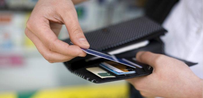 当你对着十年账单唏嘘时,支付宝已经瞄准你的信用卡