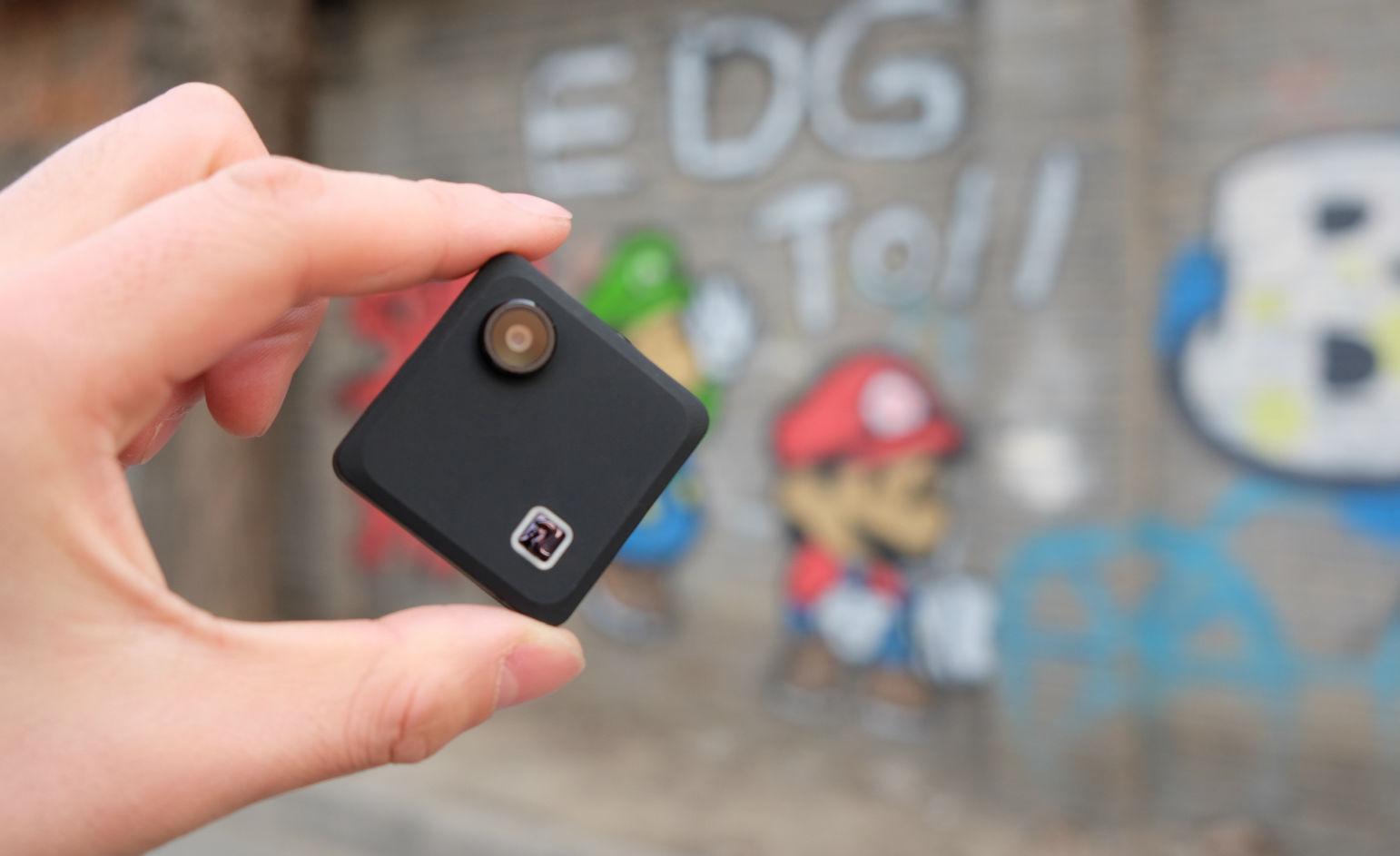 忘掉 GoPro 吧,这个小相机可能更适合爱自拍的你