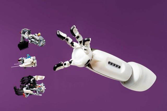 iko-prosthetic-system-arm.jpg