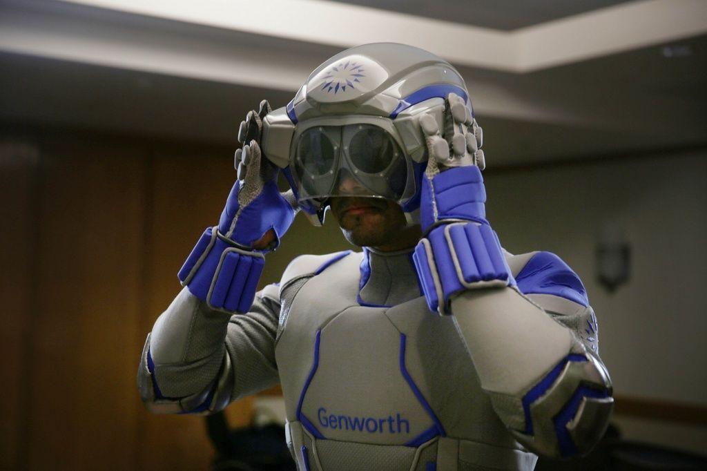 穿上这套「超人衣」,咱们永远 70 岁